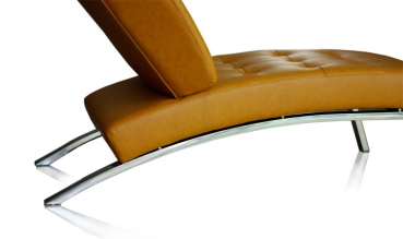 Beautiful leather chaiselongue / Daybed with stainless steel legs and full tan leather.
