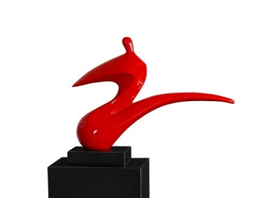 AMAZING MODERN PLASTIK / SCULPTURE / STATUE IN VARNISH SHINY RED