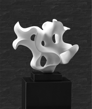 AMAZING PLASTIK / SCULPTURE / STATUE IN WHITE or RED