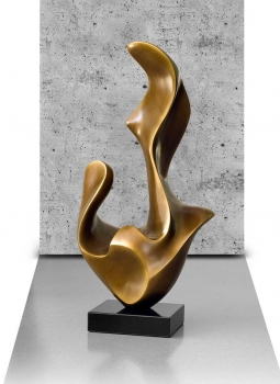 AMAZING SCULPTURE STATUETTE SURFACE IN LACQUER MAT GOLD.