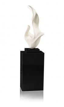 AMAZING SCULPTURE STATUETTE SURFACE IN MAT WHITE.