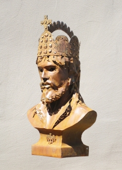 Charlemagne bust sculpture handmade in rusty steel.