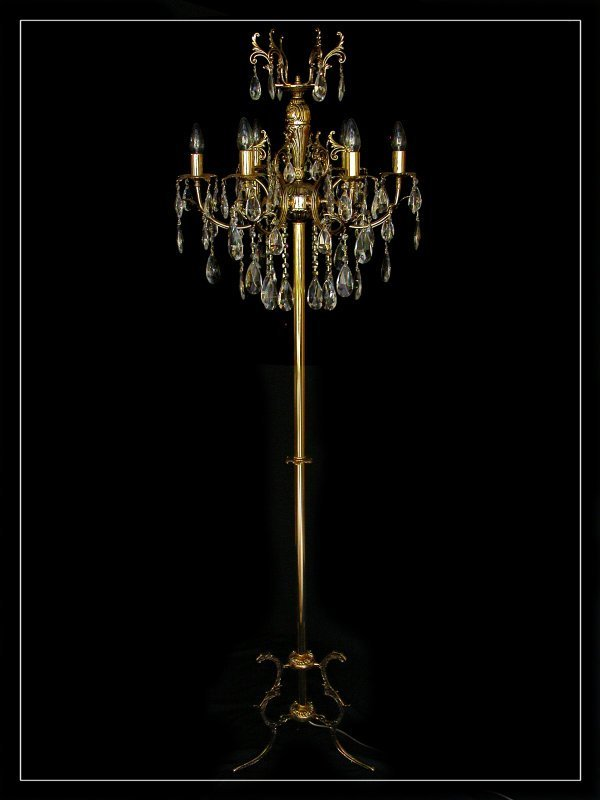 GroBartig Crystal Standing Light