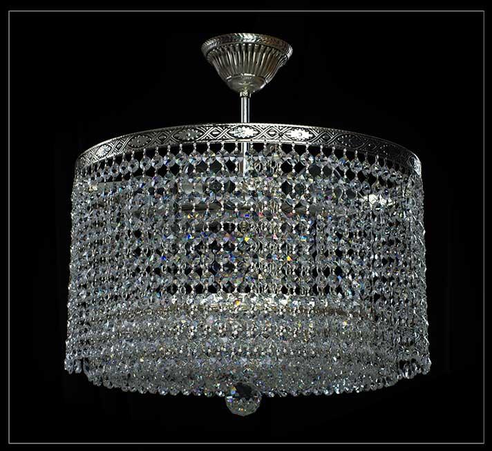 Runder Kristall Kronleuchter Mit 6 Brennstellen Und 41 Cm Durchmesser.