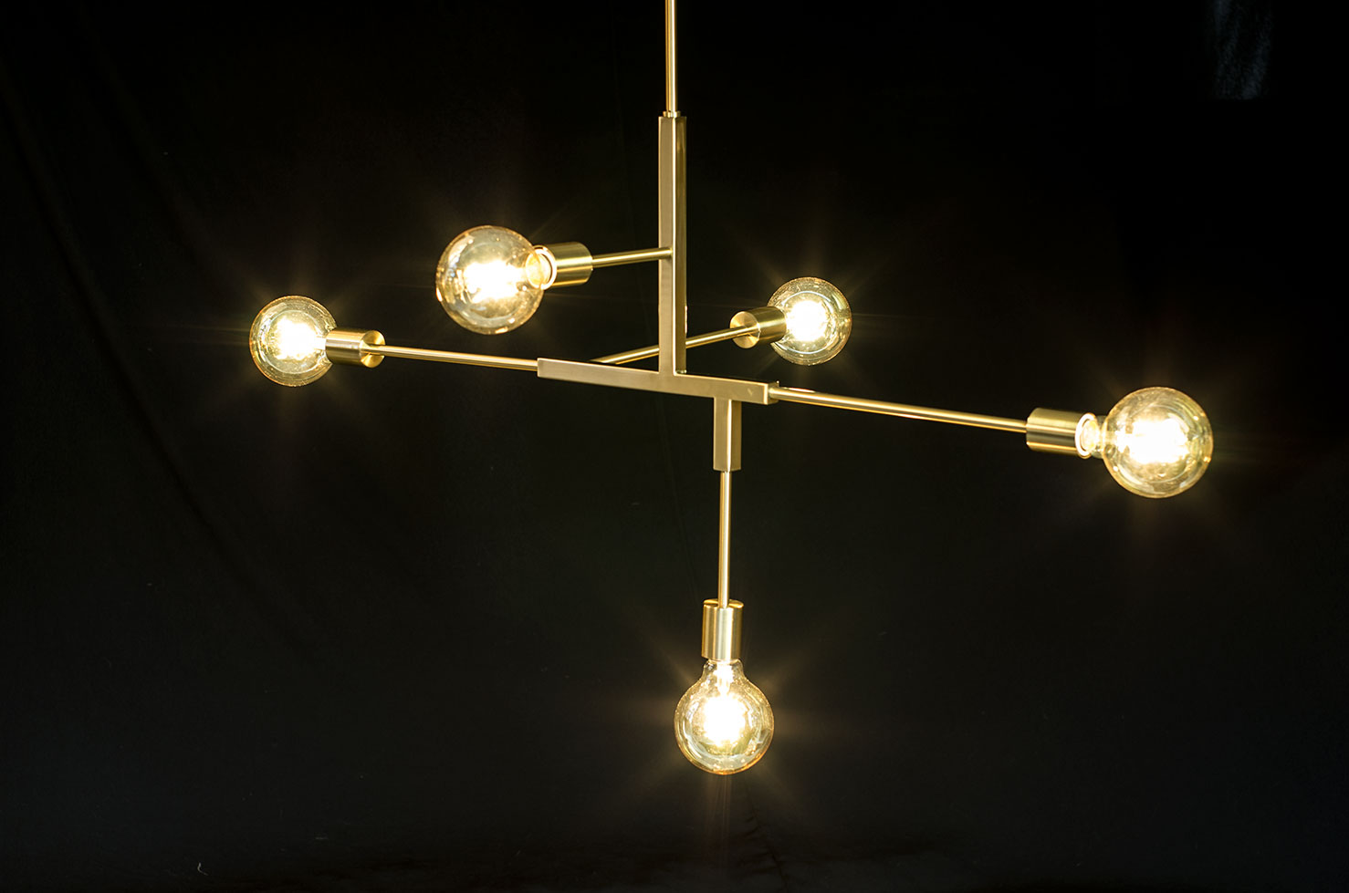 Minimalist Pendant Light Filament Bulbs