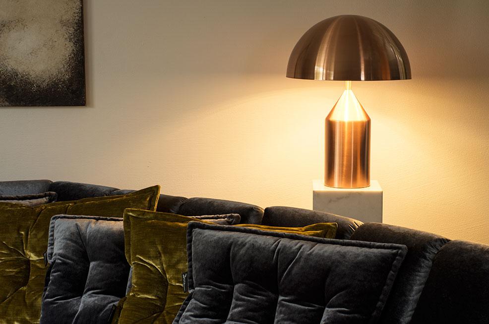 gro e tischlampe kupfer neuerraum. Black Bedroom Furniture Sets. Home Design Ideas