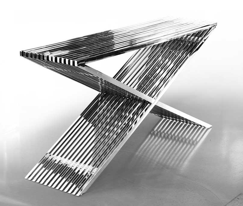Kleiner edelstahl bauhaus hocker edelstahl beistelltisch for Sideboard tisch