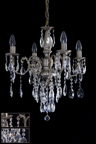 Traditional chandelier in stainless steel or gold