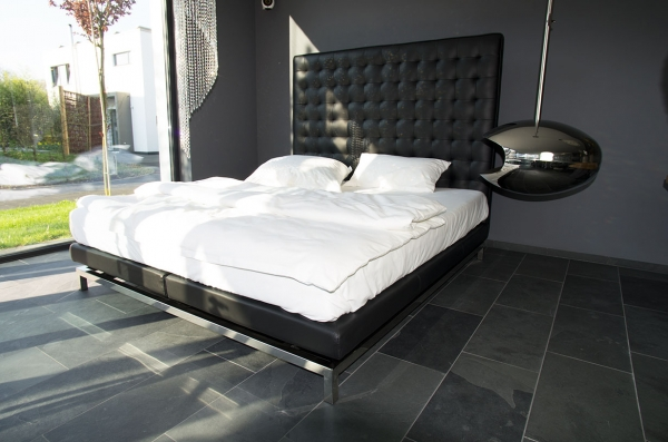 Highback bed leather black