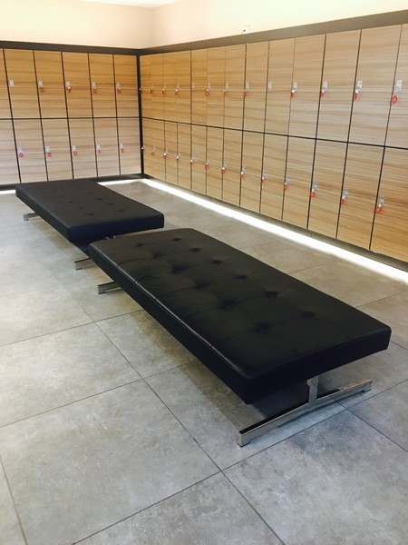 Leather daybed black